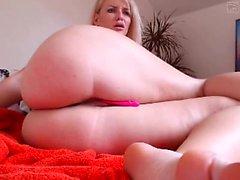 amateur littlegingertwat seins clignotantes sur webcam en direct