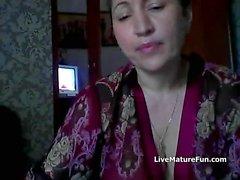 Hot ryska mogen mamma Elena spela på skype