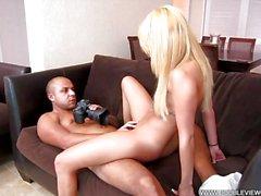 Conoce Marina atractivo de diosa de blonde