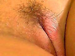 Jungfruliga twat vs dildo