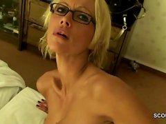 Privates SexTape von geiler MILF die Anal gefickt wird