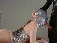 Mask oynama lüks bir strapon lezzies