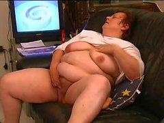 BBW Marie Masturbating