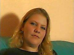 Blonde German flicka ger intim Intervjun