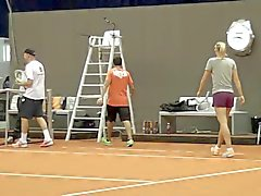 Maria Sharapova warming up
