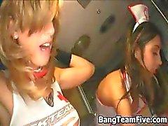 Трех брюнетки порнозвезд медсестер из часть2