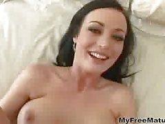 Mella Sexy Milf
