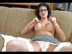 Kinky secretary Bianca masturbates on live cam