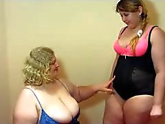 Mollige Frauen lesbians Fisting