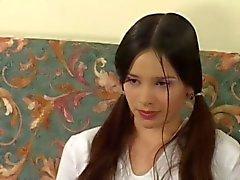 Adolescente da Cabeludo do russo Com Velho e novo
