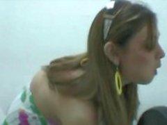 Kuuma seksikäs tyttöystävä kuvattiin seksiä wc