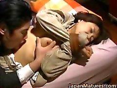 Japanilainen nainen on perverssi ja kypsä part1