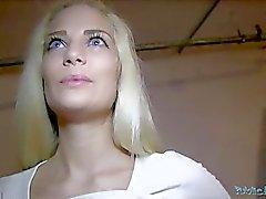 Общественный агенте POV Блондин Бейб Creampie ( HUUU )
