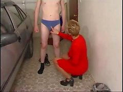 Short-haired blonde MILF gets an itch and has the car wash guy scratch it