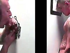 Piilotettu homojen dude perseestä suoran kukko gloryhole