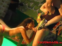 Coral Joice, Daniela Evans y Arcangel threesome on stage