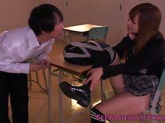 Pensionnaire japonaise mignon de reçu un creampie
