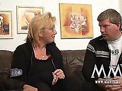 Deutsch Hausfrau liebt es zu Fest gefickt zu werden