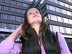 Любительские детка трахается с на открытом воздухе в сумерках