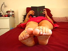 Hot Goddess Ignores, Foot Worship