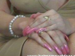 Mrs Dalney - hotmomnextdoor.com