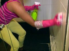 OPERACION LIMPIEZA - Latina maid Camila Marin in steamy fuck