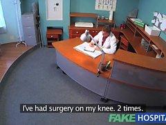 Patient FakeHospital surprend médecin putain infirmière