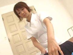 Miriya Hazuki étonne par ses lèvres douces asiatique