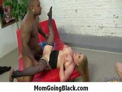 Мама собираюсь черное - сложно Interracial порнография 8