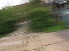 Любительская шлюха распахивается на улице