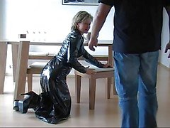 German Fantastci latex skirt hand and blowjob