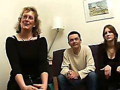 Französisch reifer Françoise in Dreier durchgefickt