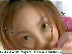 Natsumi Митс невинных хорошенький китайская девушка дает большую минетом