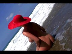 Jenny McClain sur le plateau Wild Beach