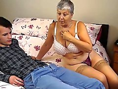 Della nonna Savana fa scopare con bastone davvero difficile
