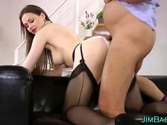 Amateurs mouth gets cummed in