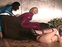 Geil Frau anal hardcore Gruppensex Sex