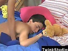 Twink Im Video Die Jungs sind luxuriös und