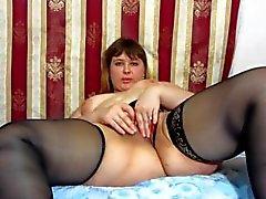 жировая русская девочка занимается мастурбацией )