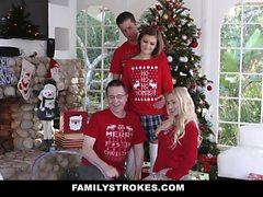 Familystrokes Step-Sis Fucked During Christmas Pic