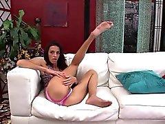 Skinny MILF Khloe Kash Puts on a Good Show