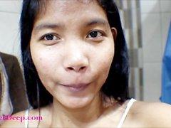 14-недельный беременный тайский подросток верескового глубокого соло в бане ванны трахает и