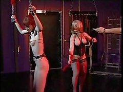Brunette sveglio vincolati e goduto da Nina Hartley e il Ernest