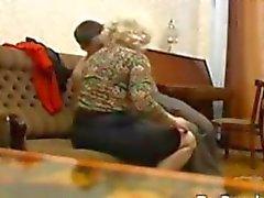 Mamie russe et sa jeune amant de