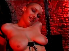 Shaved Head Woman With Strapon Dildo & Shemale Fucking