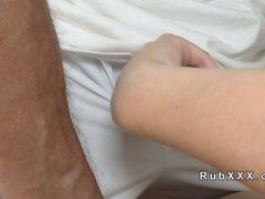 Physiotherapeut bumst blonde sowie Cream Pies auf einem Massagetisch
