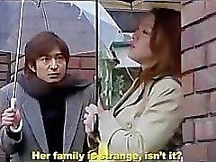 Japanischen EHEFRAU folgende Tür Teil 2. harte Orgie mit Frau, Tante und Schwester.