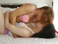 Aiden Ashley & Alyssa Branch fils lesbianas cachondas