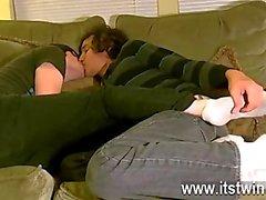 Sıcak gey Tristan görünüşte bir kapama zamandan beri ayaklarla aşka oldu