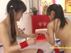 Rina Hatsume Ichigo Aoi Explore cada um outros extremos com dildos e dedos